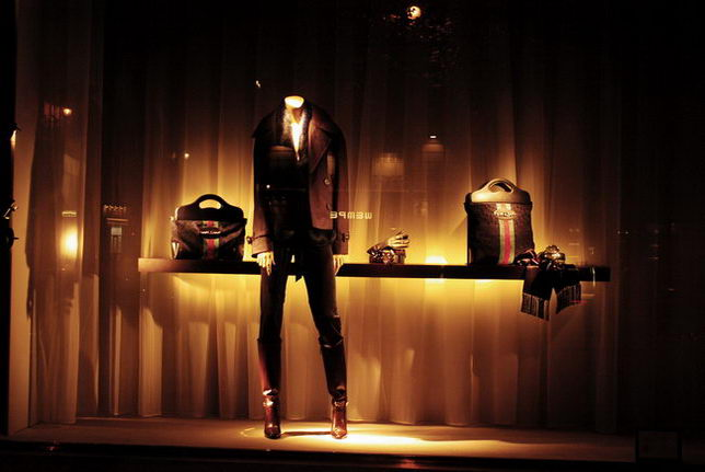 Really making a trip to Paris shop window displays and settings